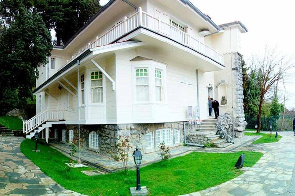 serpent mansion istanbul